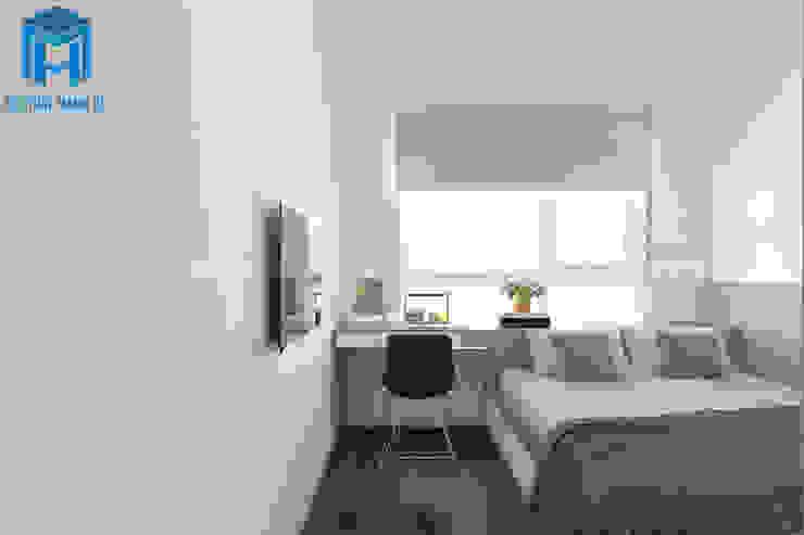 Cửa sổ khá lớn giúp cho gia chủ luôn được thư giản và thoải mái nhất Phòng ngủ phong cách hiện đại bởi Công ty TNHH Nội Thất Mạnh Hệ Hiện đại