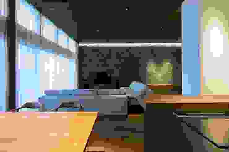 Ruang Makan Modern Oleh 株式会社横山浩介建築設計事務所 Modern