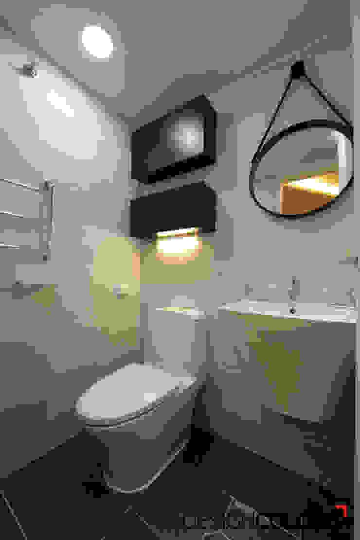강서구 내발산동 수명산파크 아파트인테리어 24평 모던스타일 욕실 by DESIGNCOLORS 모던