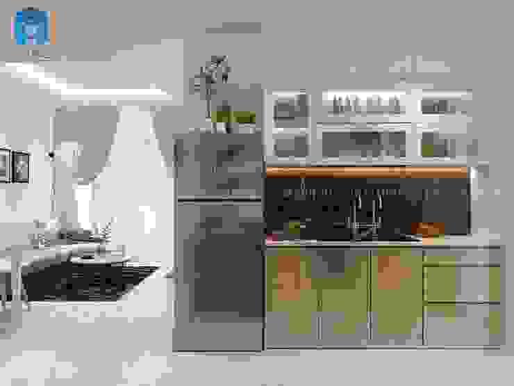 Phòng bếp được trang trí với chậu cây xanh khá xinh đẹp Phòng ăn phong cách hiện đại bởi Công ty TNHH Nội Thất Mạnh Hệ Hiện đại