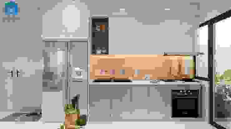 Tủ bếp chữ L tích hợp thiết bị bếp Phòng ăn phong cách hiện đại bởi Công ty TNHH Nội Thất Mạnh Hệ Hiện đại