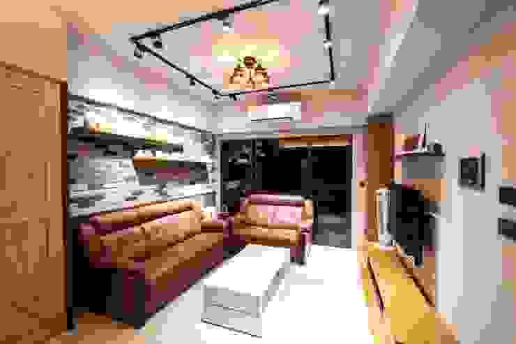 客廳: 產業  by 藏私系統傢俱, 工業風