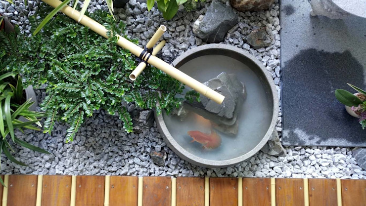 迷你魚池讓屋主能享受養魚趣: 亞洲  by 大地工房景觀公司, 日式風、東方風