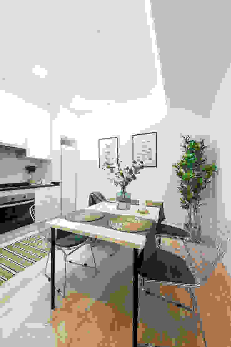Moderne Küchen von FACTORY HOME STAGING Modern
