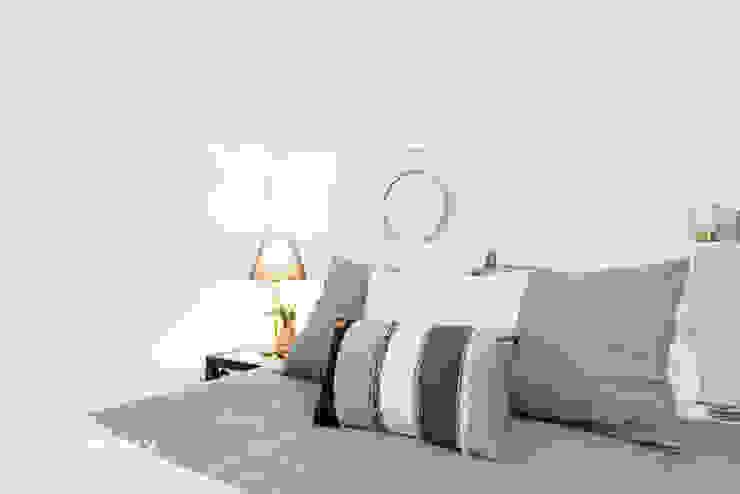 Moderne Schlafzimmer von FACTORY HOME STAGING Modern