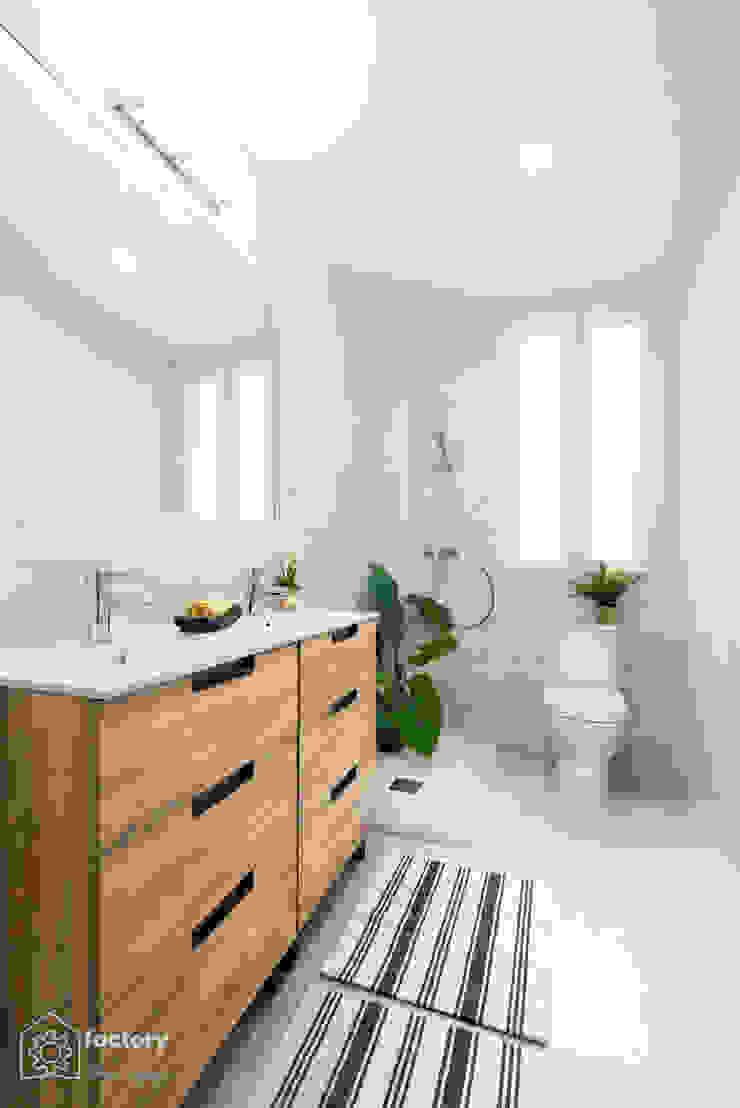 Moderne Badezimmer von FACTORY HOME STAGING Modern