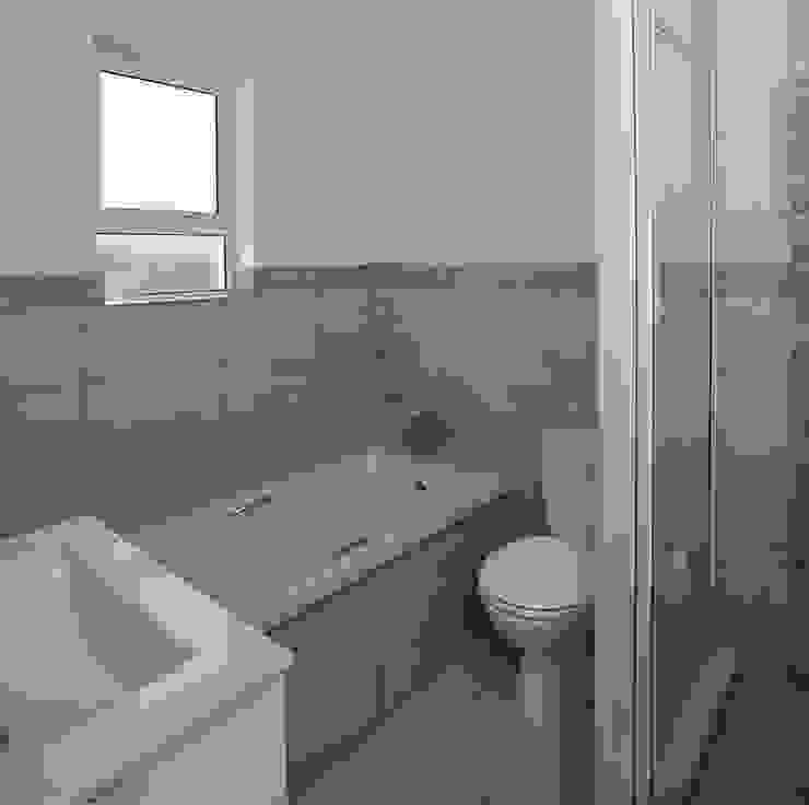 Spegash Interiors Moderne Badezimmer