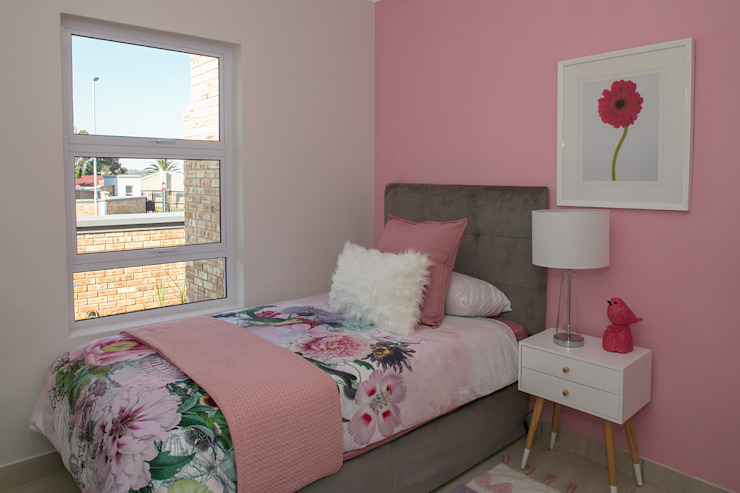 Girls Bedroom Modern style bedroom by Spegash Interiors Modern