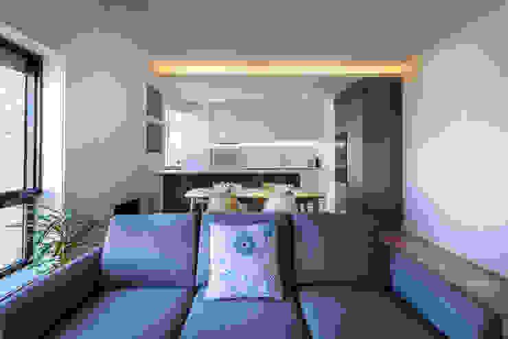 Salones de estilo moderno de MOBEC Moderno