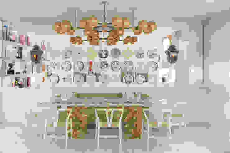 Pequeno, grande apartamento Estoril Salas de jantar ecléticas por Inêz Fino Interiors, LDA Eclético Derivados de madeira Transparente