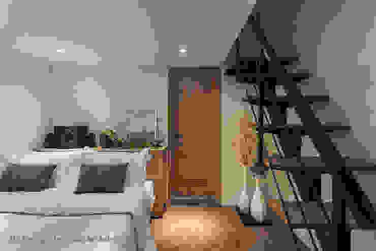 男孩房兼客房 Hi+Design/Interior.Architecture. 寰邑空間設計 Corridor, hallway & stairsStairs Iron/Steel Black