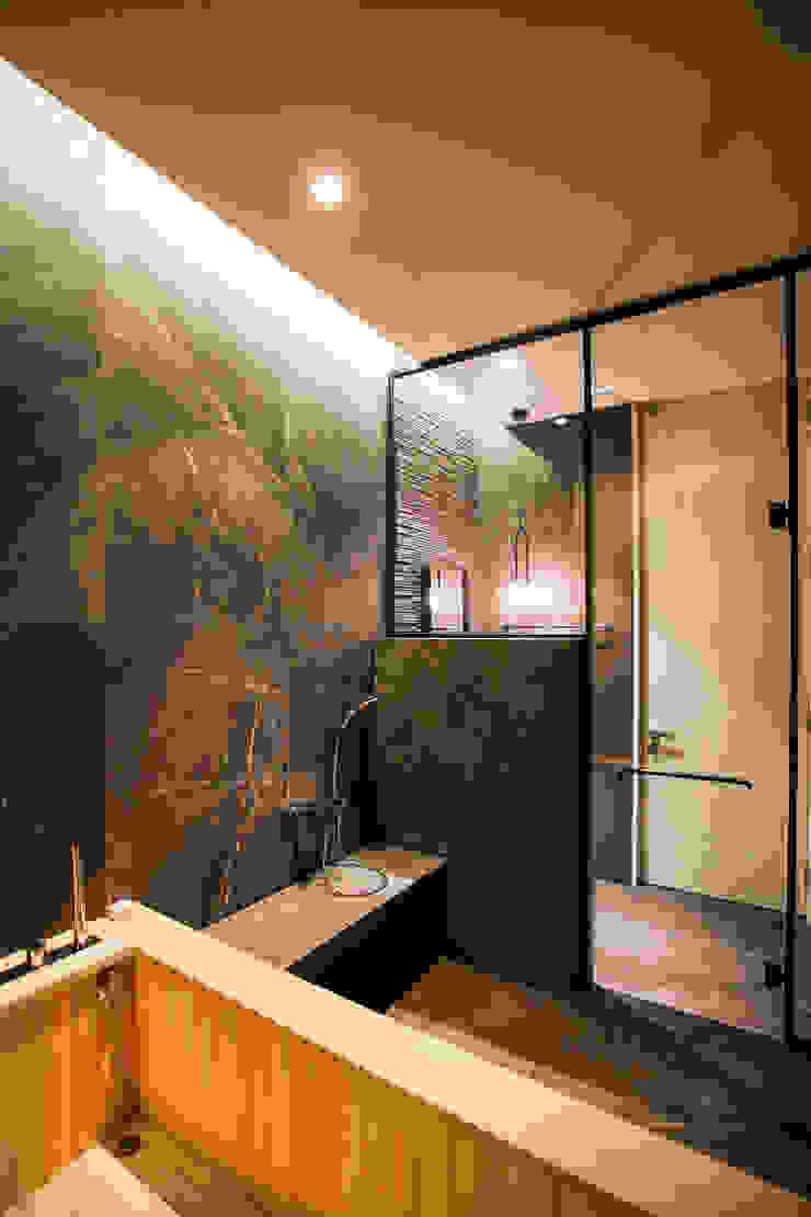 다빈710 Modern bathroom Tiles Grey