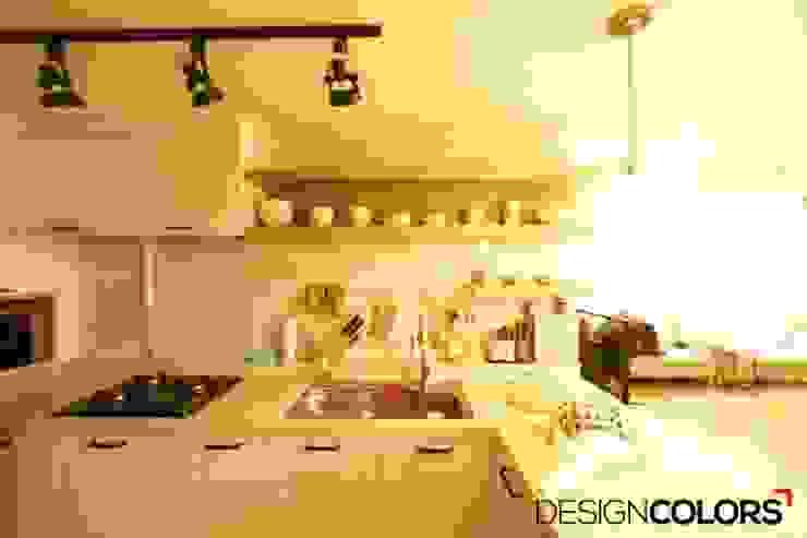 Cozinhas modernas por DESIGNCOLORS Moderno