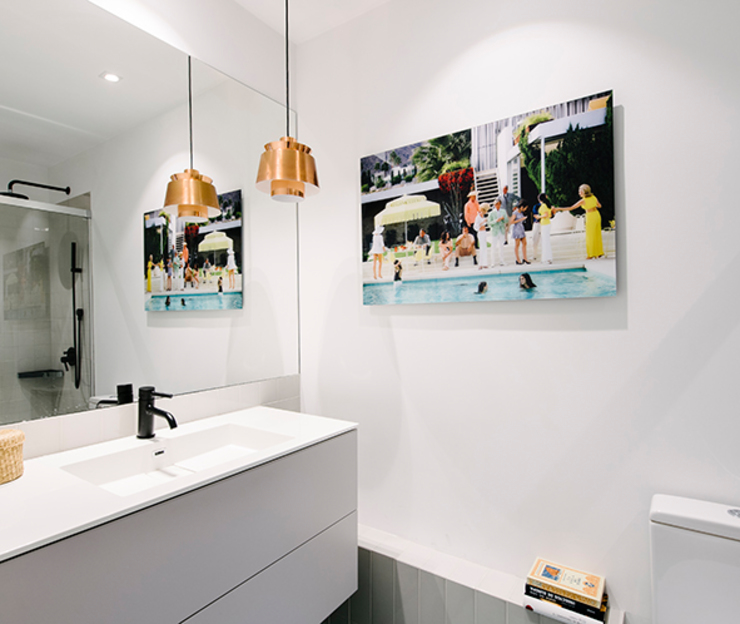 Baño invitados nimú equipo de diseño Baños de estilo escandinavo Cerámico Blanco