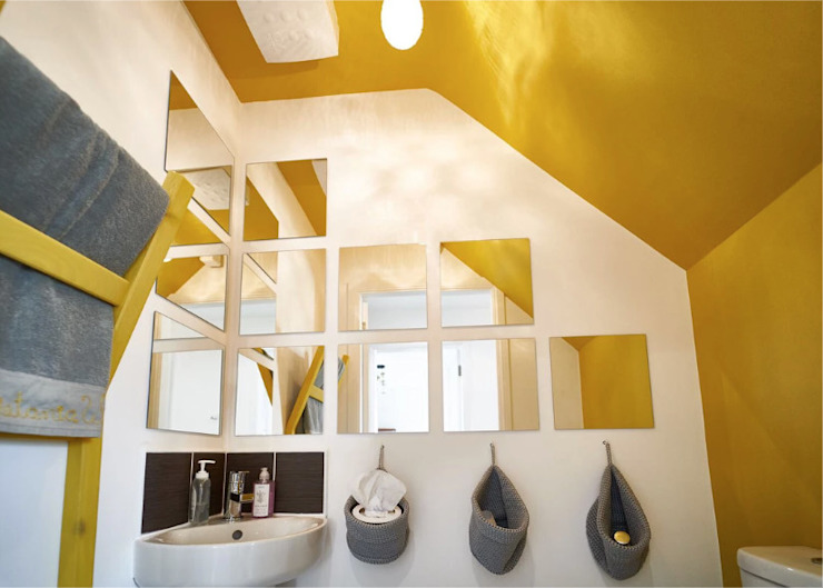 The Yellow Room Modern bathroom by Aorta the heart of art Modern