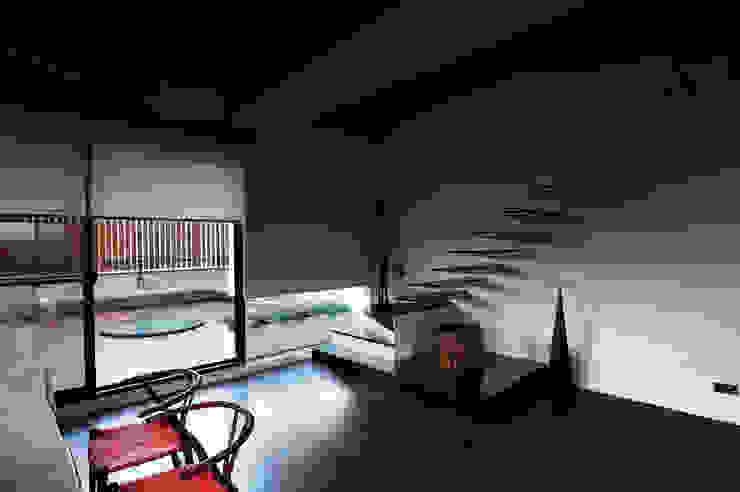 懸梯 根據 黃耀德建築師事務所 Adermark Design Studio 簡約風