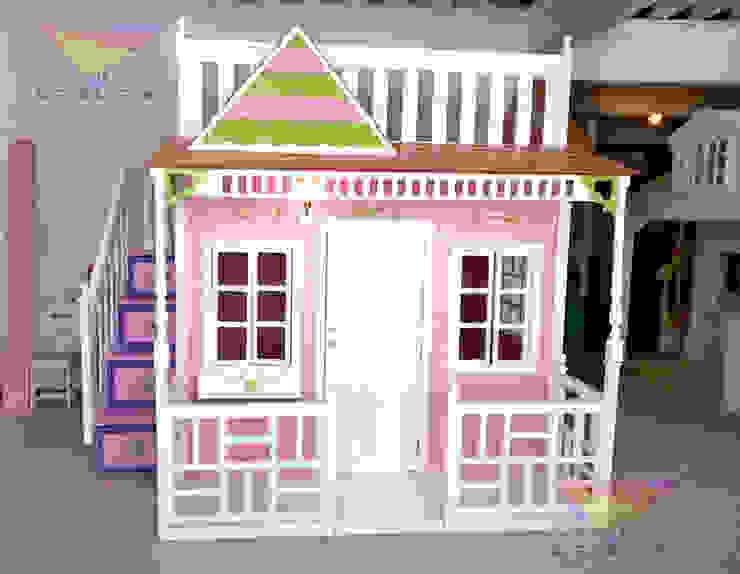 Preciosa casita Celestial con detalles en verde de camas y literas infantiles kids world Clásico Derivados de madera Transparente
