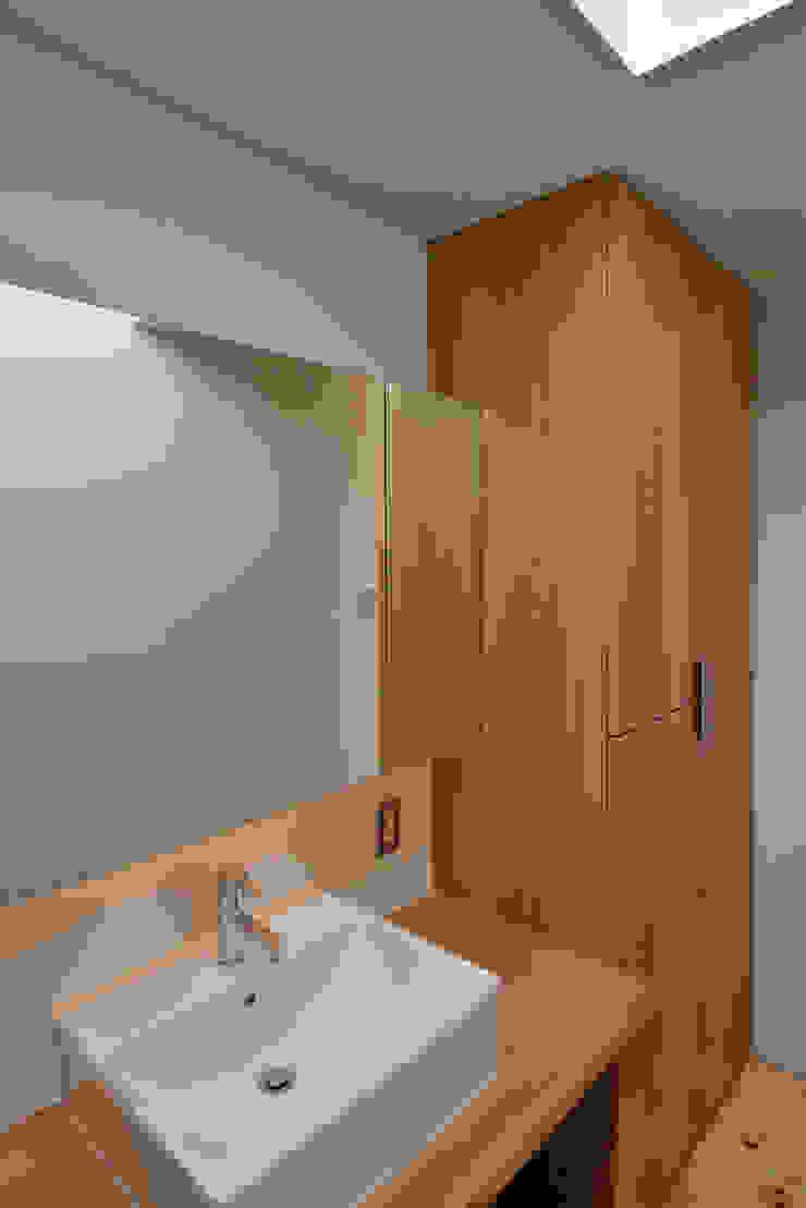 โดย 小野建築設計室 สแกนดิเนเวียน