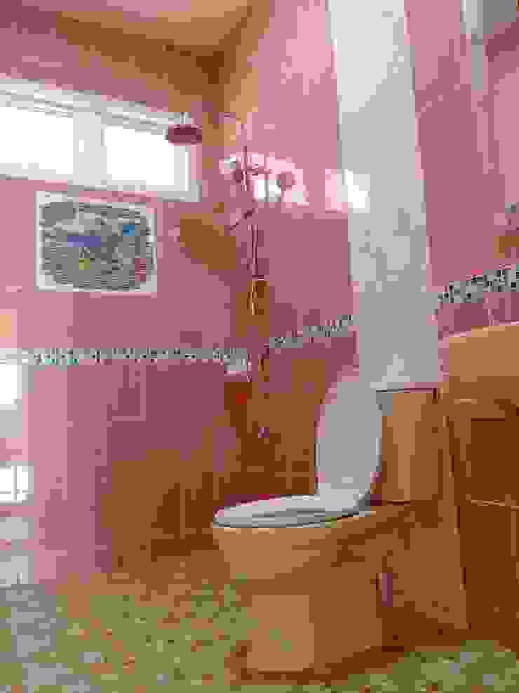 บ้านพักอาศัยชั้นเดียว ขนาด 3 ห้องนอน 2 ห้องน้ำ 1 รับแขก 1 ครัว พื้นที่รวม 105 ตรม.: ผสมผสาน  โดย แบบบ้านออกแบบบ้านเชียงใหม่, ผสมผสาน