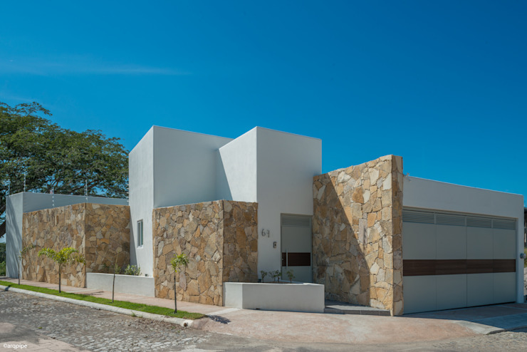 Mediterranean style houses by LUIS GRACIA ARQUITECTURA + DISEÑO Mediterranean