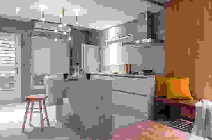 Kitchen 根據 湜湜空間設計 隨意取材風