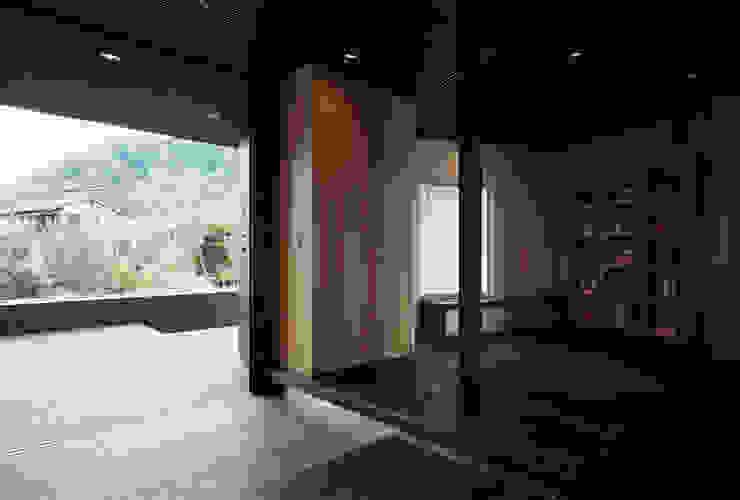 Koridor & Tangga Gaya Asia Oleh 松岡淳建築設計事務所 Asia