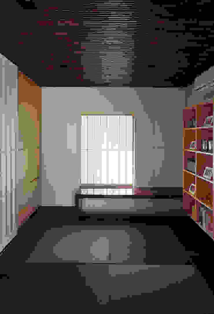 Ruang Studi/Kantor Gaya Asia Oleh 松岡淳建築設計事務所 Asia