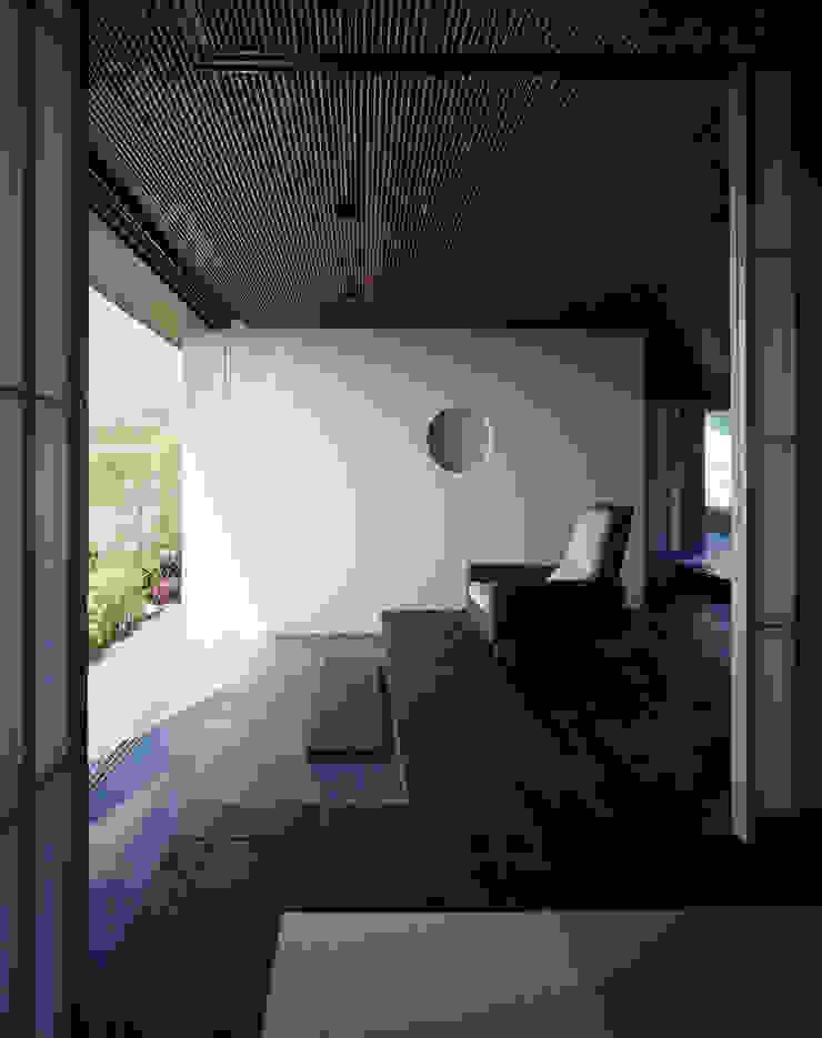 客間からホールを見る 和風の 温室 の 松岡淳建築設計事務所 和風