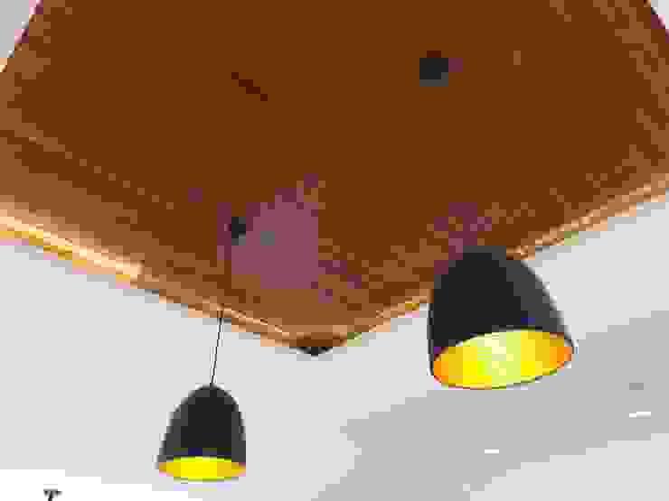 AURORA HOUSE Minimalist dining room by ezpaze design+build Minimalist