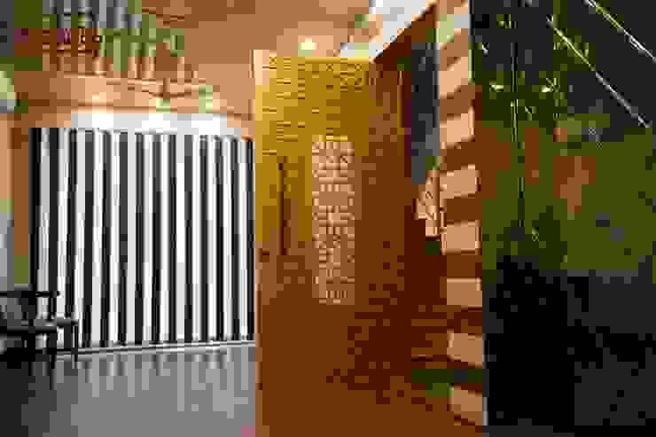 Modern door designs Modern style doors by homify Modern