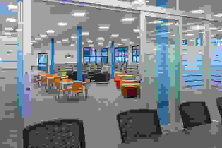 Ambiento Arquitetura Modern study/office Wood Blue