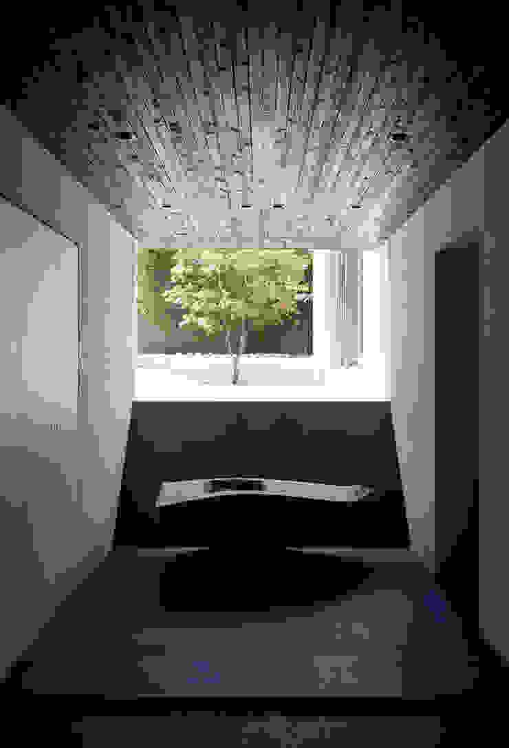 Modern Koridor, Hol & Merdivenler 松岡淳建築設計事務所 Modern