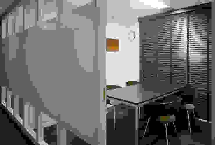 小会議室-2 オリジナルデザインの 書斎 の 松岡淳建築設計事務所 オリジナル