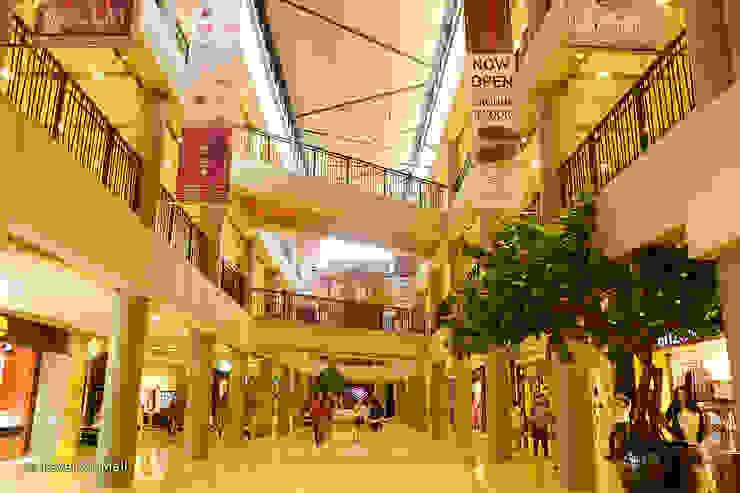 Hallway Pusat Perbelanjaan Tropis Oleh Bobos Design Tropis