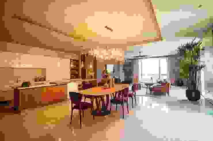 Ruang Makan Ruang Makan Tropis Oleh Bobos Design Tropis