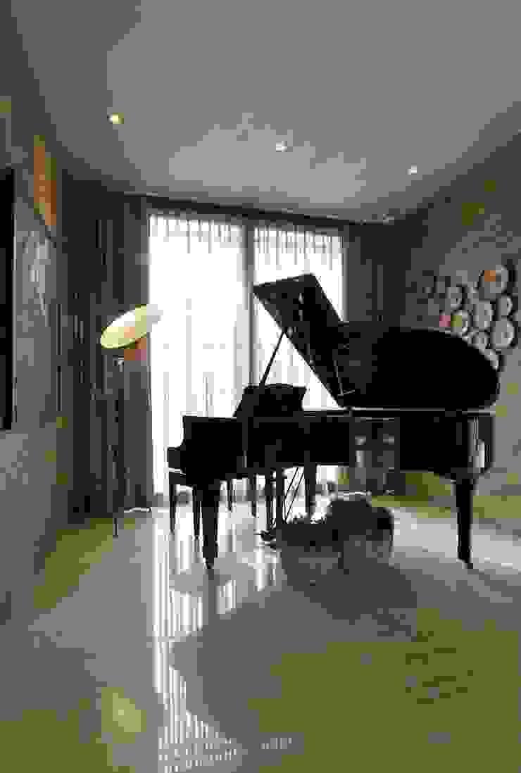 Ruang Piano Ruang Media Klasik Oleh Bobos Design Klasik