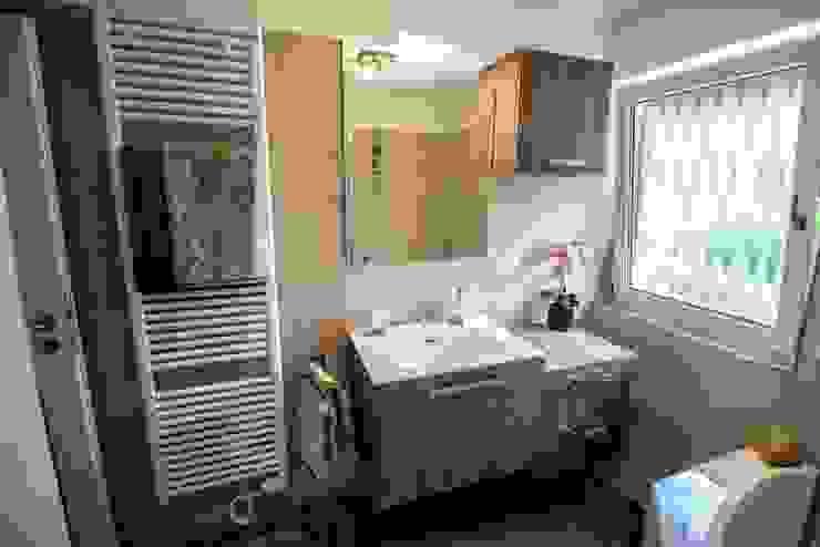 Modern style bathrooms by Bad Campioni Modern