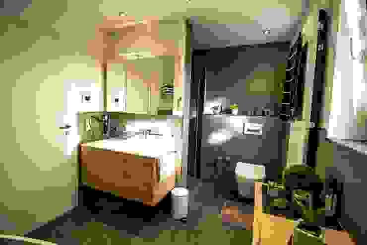 Modern bathroom by Bad Campioni Modern