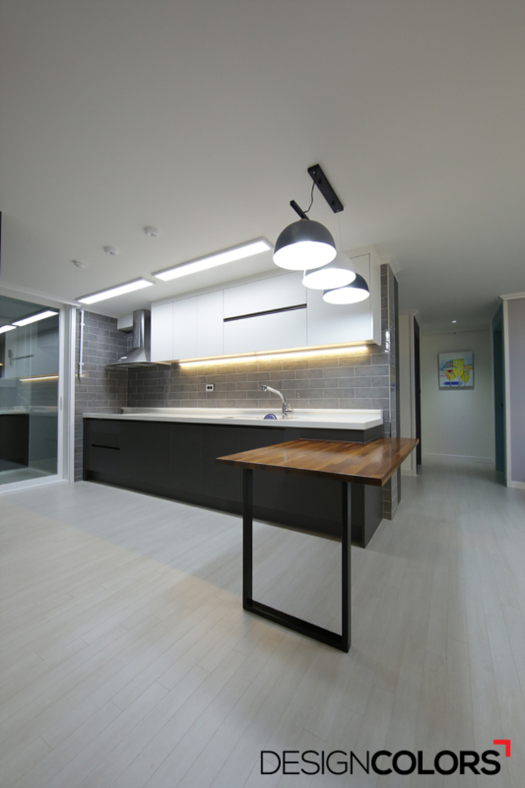 by DESIGNCOLORS Modern