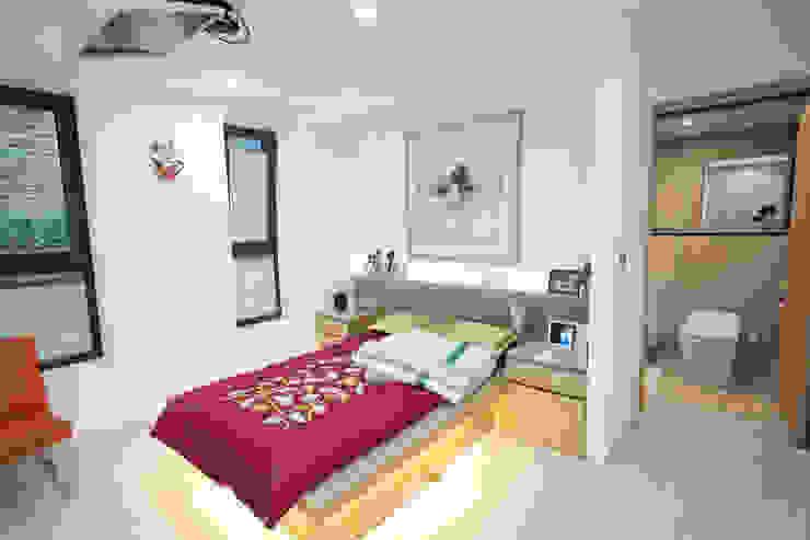 자곡동 J씨 하우스 모던스타일 침실 by designforn 모던 철근 콘크리트