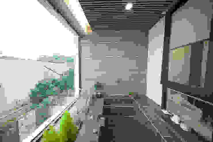 Baños modernos de designforn Moderno Azulejos