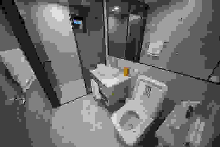 자곡동 J씨 하우스 모던스타일 욕실 by designforn 모던 타일