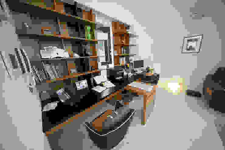 자곡동 J씨 하우스 모던스타일 거실 by designforn 모던 대리석