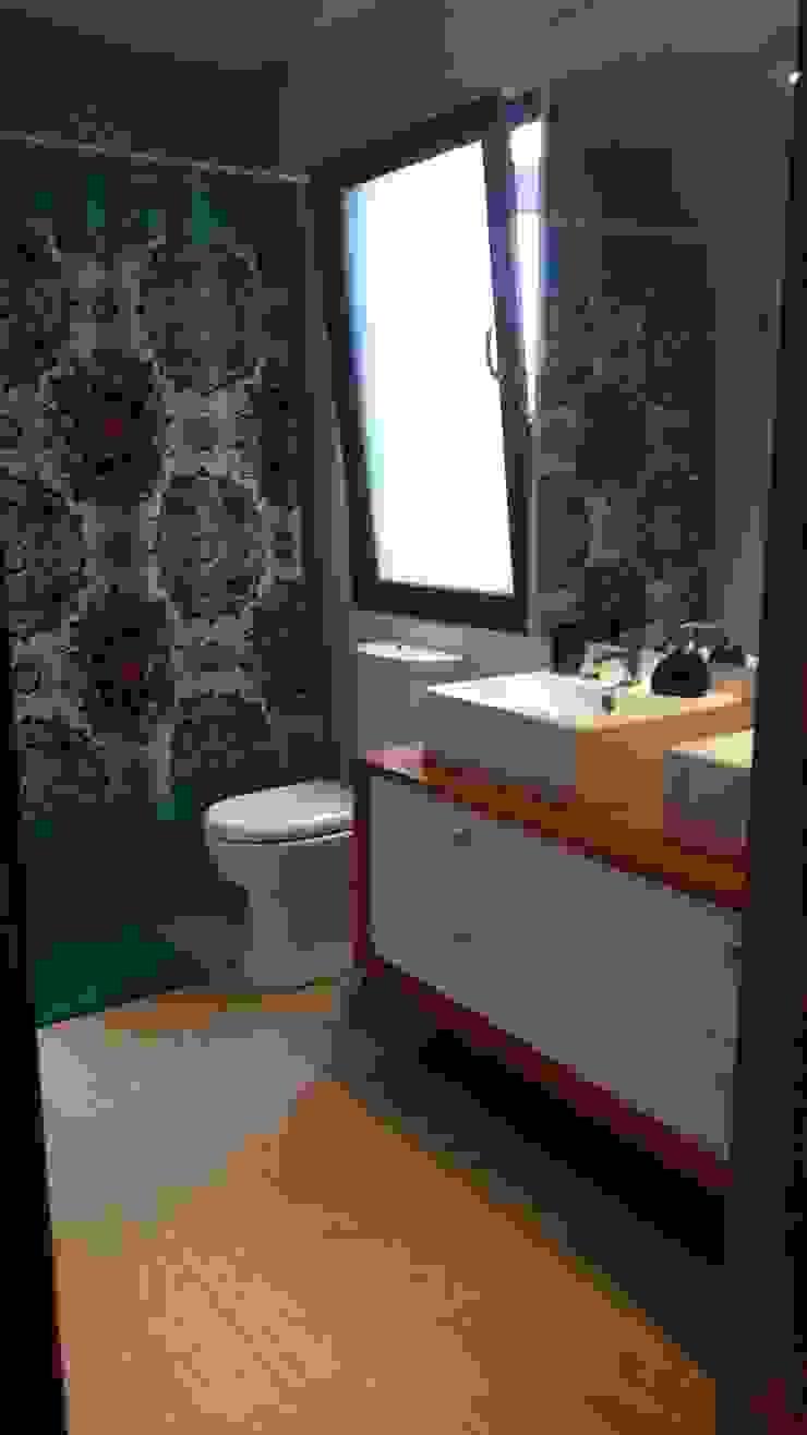 Muebles de Baño por SIMPLEMENTE AMBIENTE Baños de estilo moderno de SIMPLEMENTE AMBIENTE mobiliarios hogar y oficinas santiago Moderno Madera Acabado en madera
