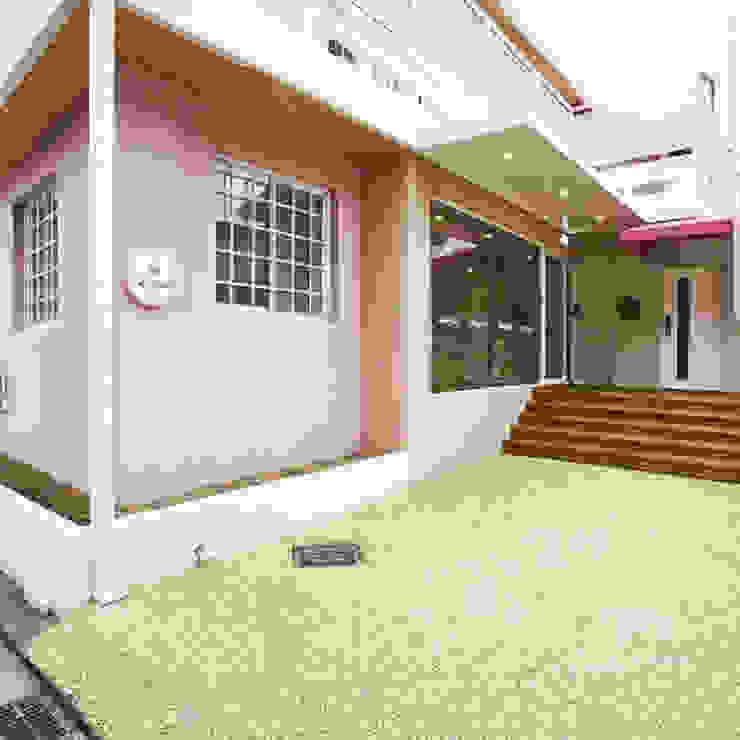 現代房屋設計點子、靈感 & 圖片 根據 건축일상 現代風