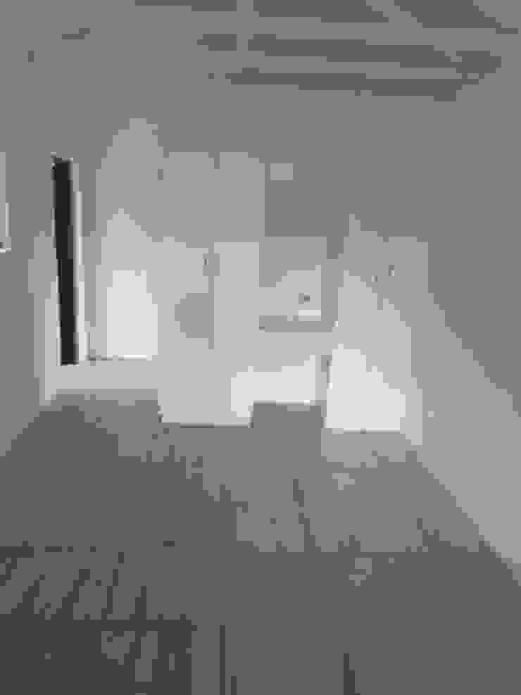From Garage to Flat Minimalist bedroom by Second Studio Design Minimalist