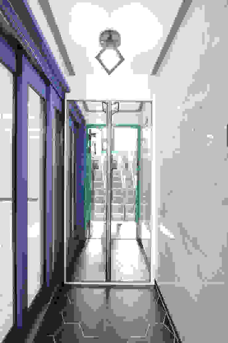 부천시 성은빌라 모던스타일 복도, 현관 & 계단 by 한 인테리어 디자인 모던