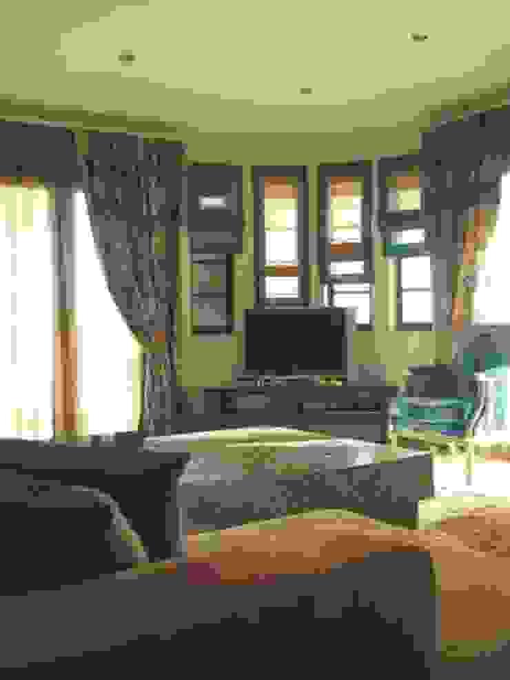 Apartamento Galé 3 Salas de estar modernas por Atelier Ana Leonor Rocha Moderno