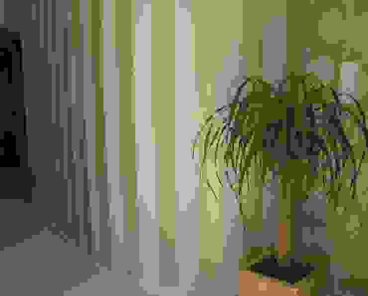 Apartamento Galé 3 Corredores, halls e escadas modernos por Atelier Ana Leonor Rocha Moderno