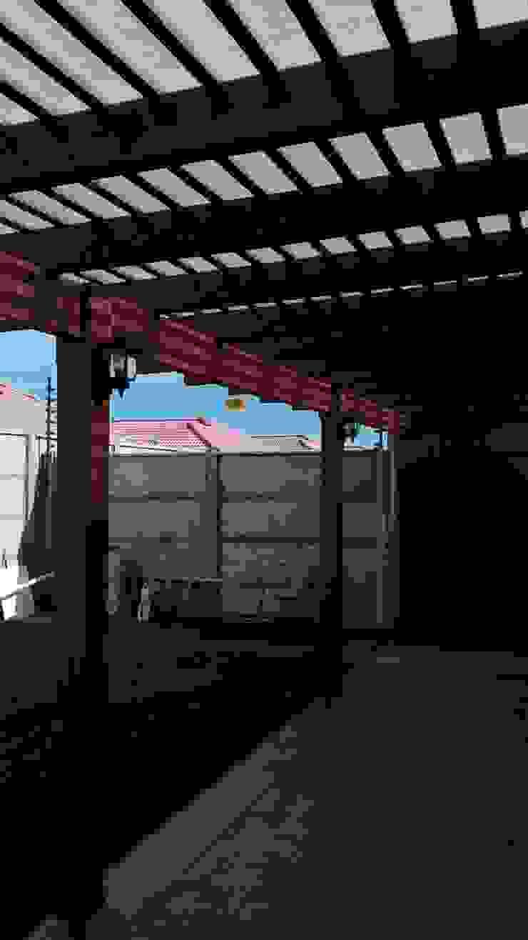 Quincho Talca Balcones y terrazas rústicos de Eduardo Ibarra Brito Rústico